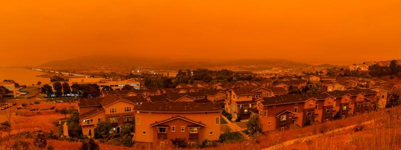 जंगल की आग के मौसम में विंडो एयर कंडीशनर कैसे बाहर से हवा खींचते हैं